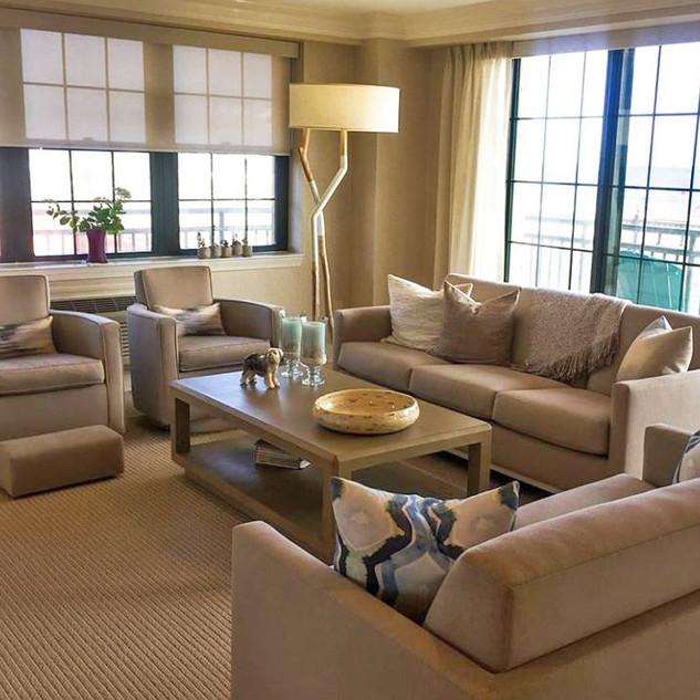 1614 Sofa & 3320 Chairs