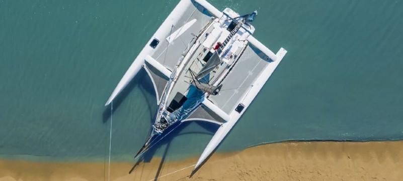 880 Beach boat