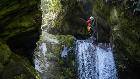 V3/A4/IV WHAT?! How to understand the canyoning rating system.