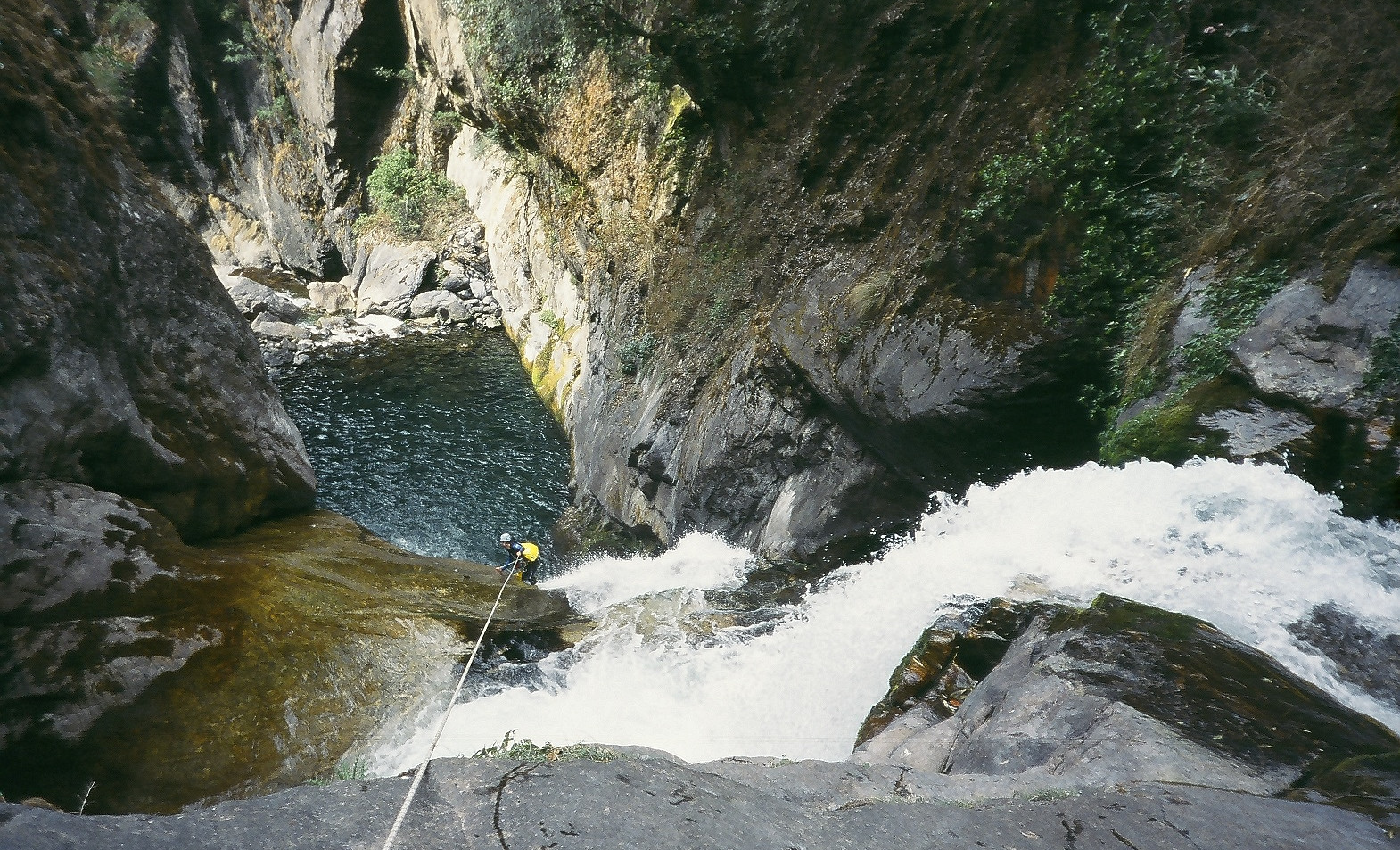 Canyoning action_Chamje khola_Upper part