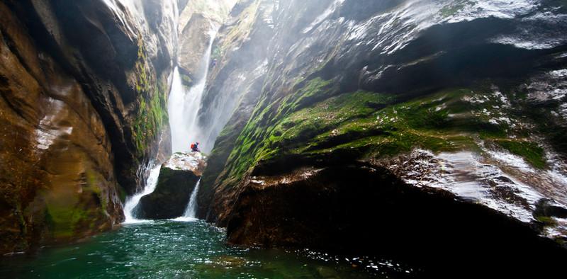 34. Picture's folder_HCT waterfall_Chamj