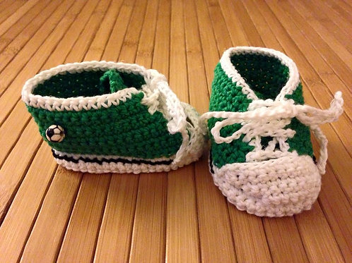 Schuhe *newborn* grün/ weiss mit 2 Fussbällen