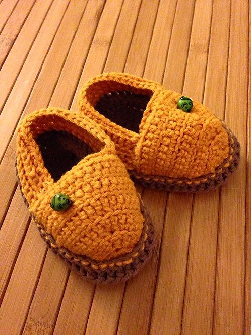 Schuhe in orange/ braun mit 2 Mäusen