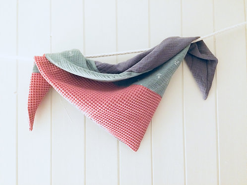 Twisted Triangel Tuch