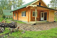 """Дом на поляне для семьи с детьми. Дом с видом на природный парк """"Оленьи ручьи"""""""