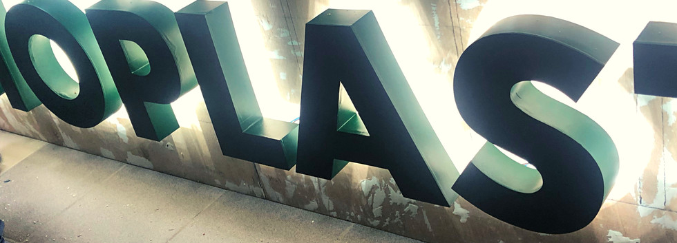 Буквы с контражурной подсветкой Биопласт