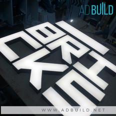 Логотип из объёмных букв для кальянной.J