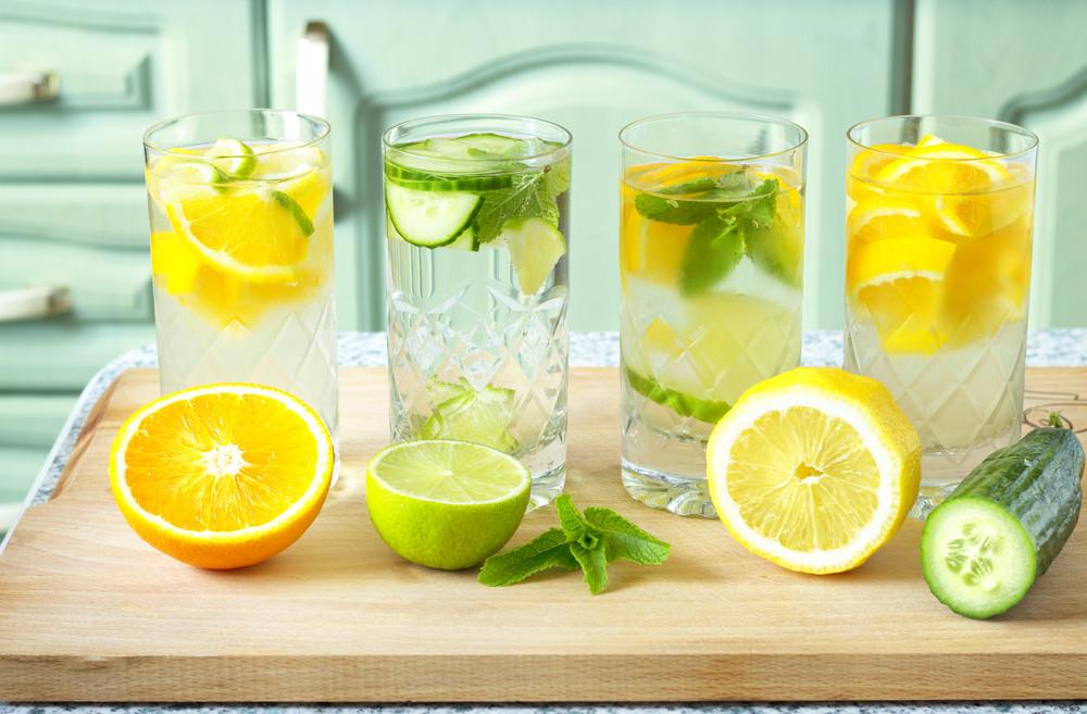 vasos-de-agua-aquaoasis-con-frutas-herbas-verduras.jpg