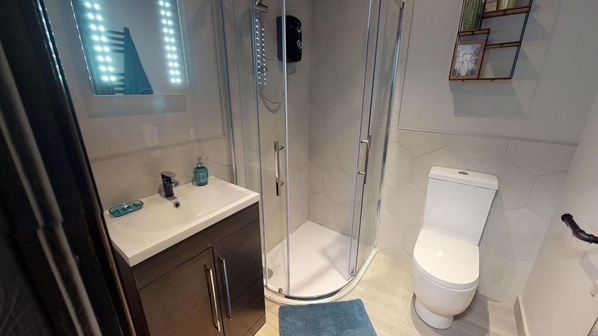 6-Kremlin-Drive-L13-Communal-Shower-Room