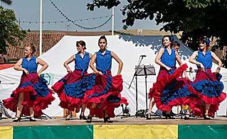 Spectacle avec des danseuses de flamenco.