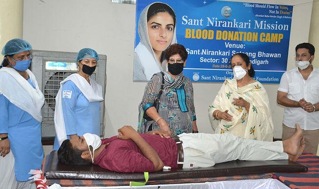 कोविड-19 के दौरान 175 निरंकारी श्रद्धालुओं ने रक्तदान किया