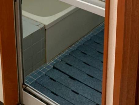 小牧市 浴室ドア ガラス 割れかえ