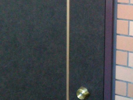市川市 玄関 鍵解錠 のぞき窓から開け作業