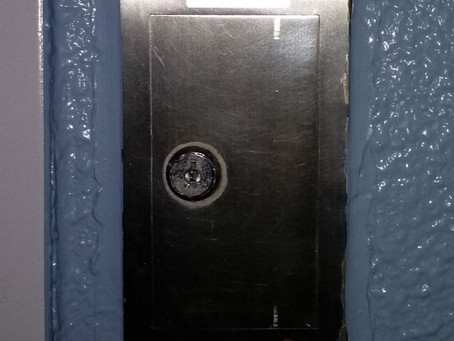 仙台市青葉区 倉庫 シャッターのスイッチボックス解錠