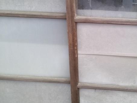 静岡市清水区 倉庫 木製サッシ 鍵の取り付け