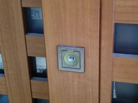 静岡市葵区 玄関 鍵穴の異物除去 子供が詰めてしまった