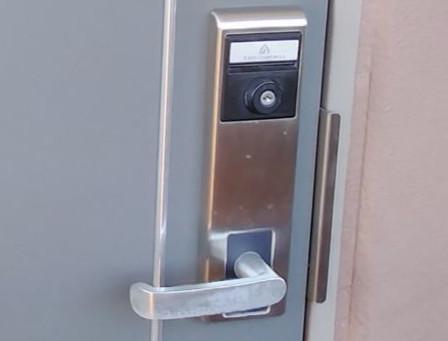 桑名市 玄関解錠 カードキー