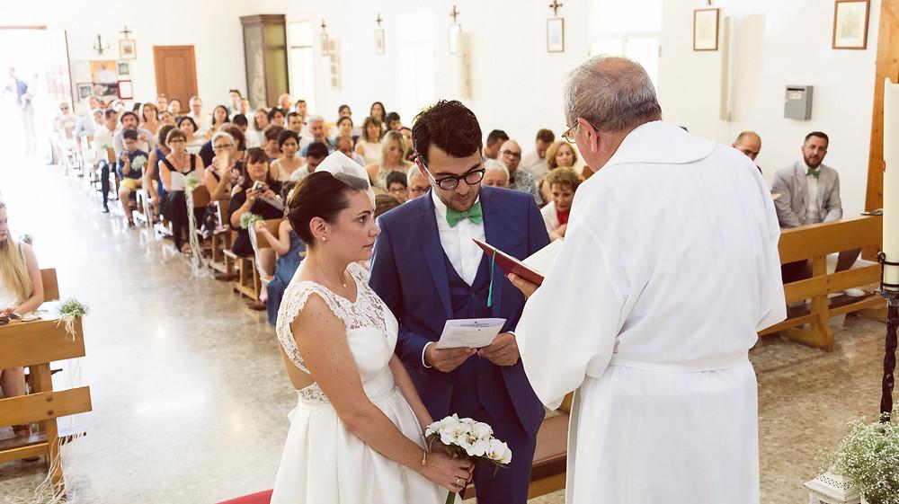 the bride and the groom in the church Boda Internacional en Malaga, International Wedding in Malaga