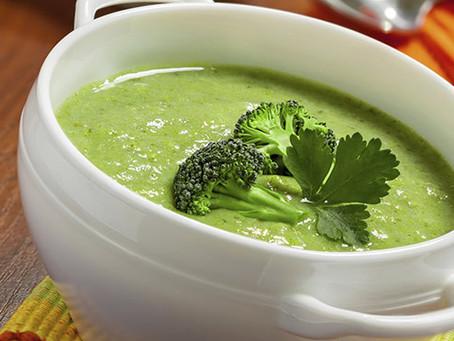 Receita para esquentar o outono: sopa verde