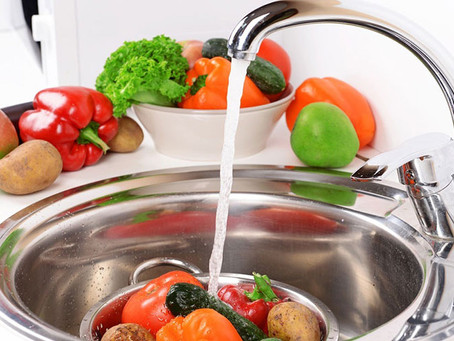 Como lavar bem as frutas e verduras.