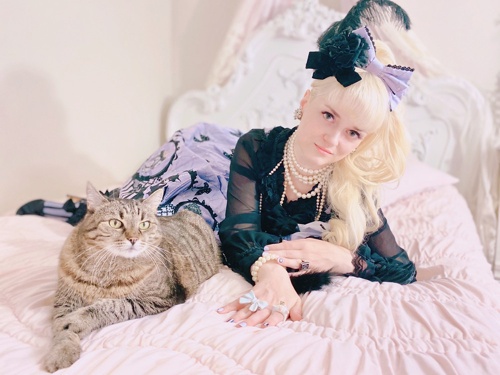 Aini Cinema Doll Angelic Pretty Cat