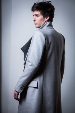 HOMME 9