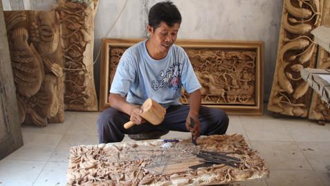 CRAFTSMEN IN INDONESIA