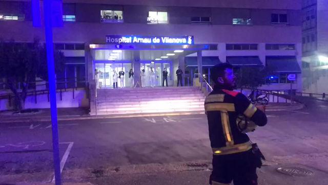Parque de Campanar y Bombers Pel Mon en apoyo de nuestros compañeros. Hospital Arnau de Vilanova