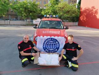 La asociación Sonrisas, disfraces Bacanal y Bombers Pel Mon hemos donado 1000 mascarillas