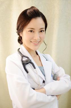 陳筠華醫生