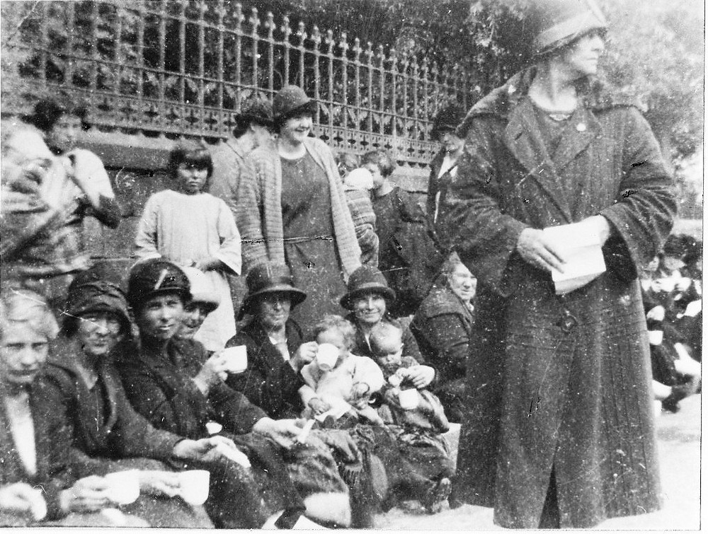 Ma Moore and the protesters outside the Council offices in West Calder, 20th August 1926