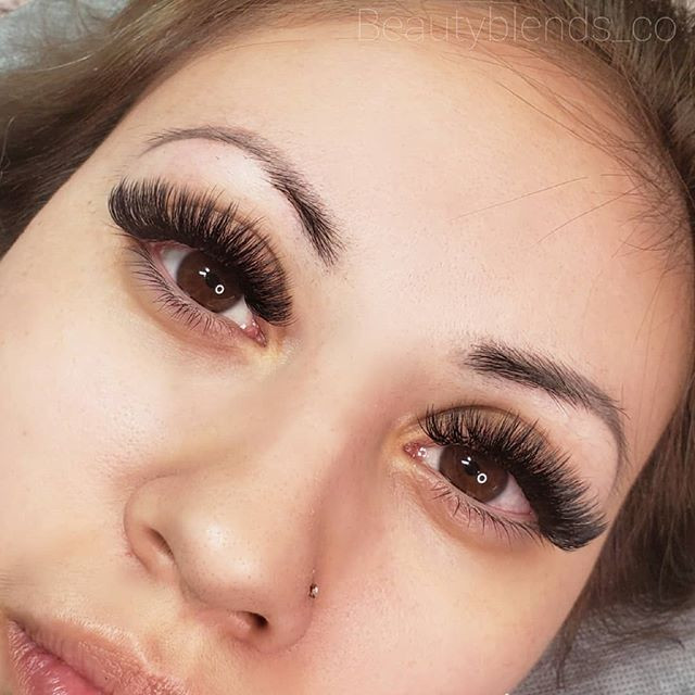 IN LOVE with this Volume Set of Eyelash