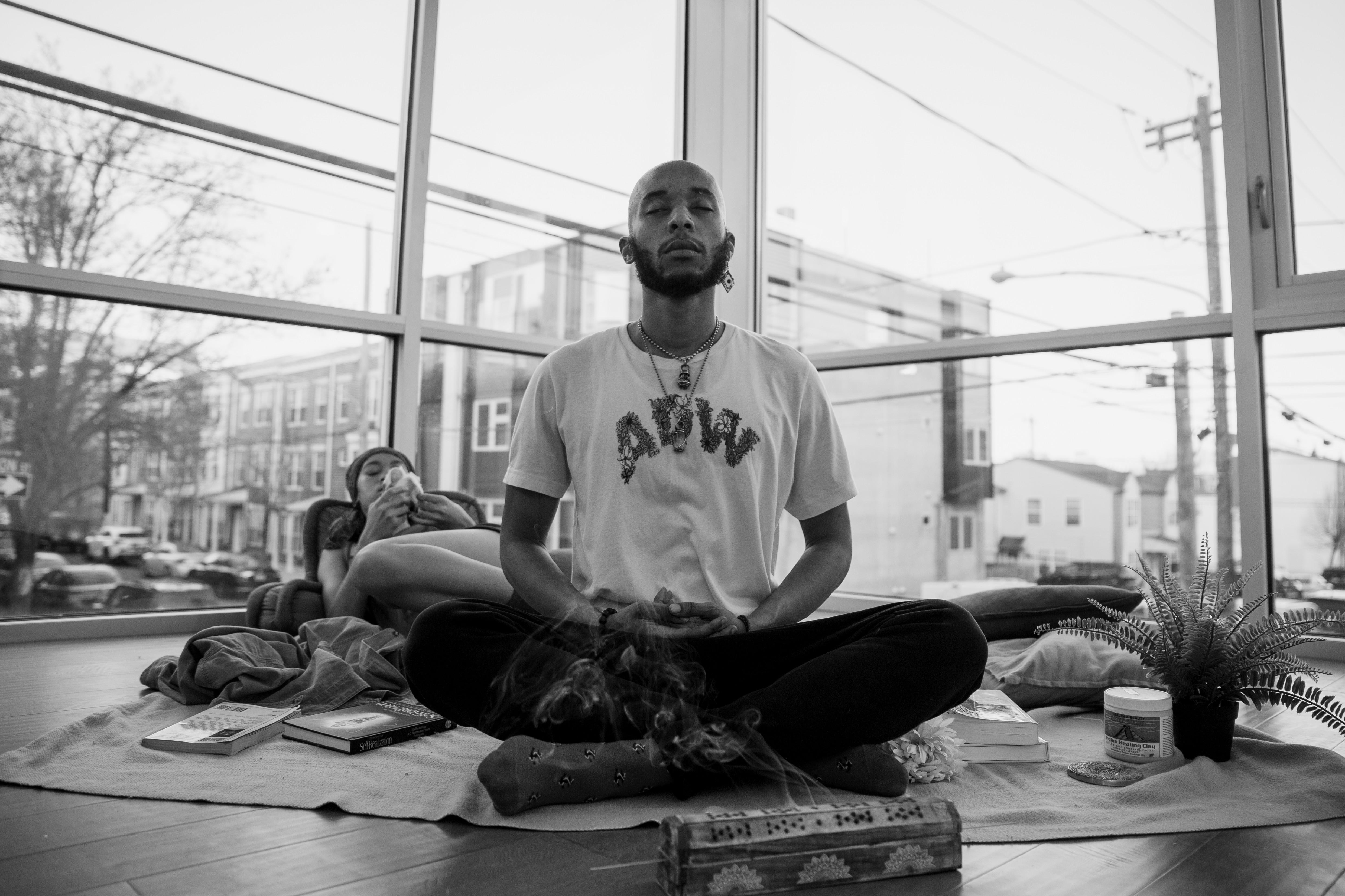 Meditate w/ $tonez