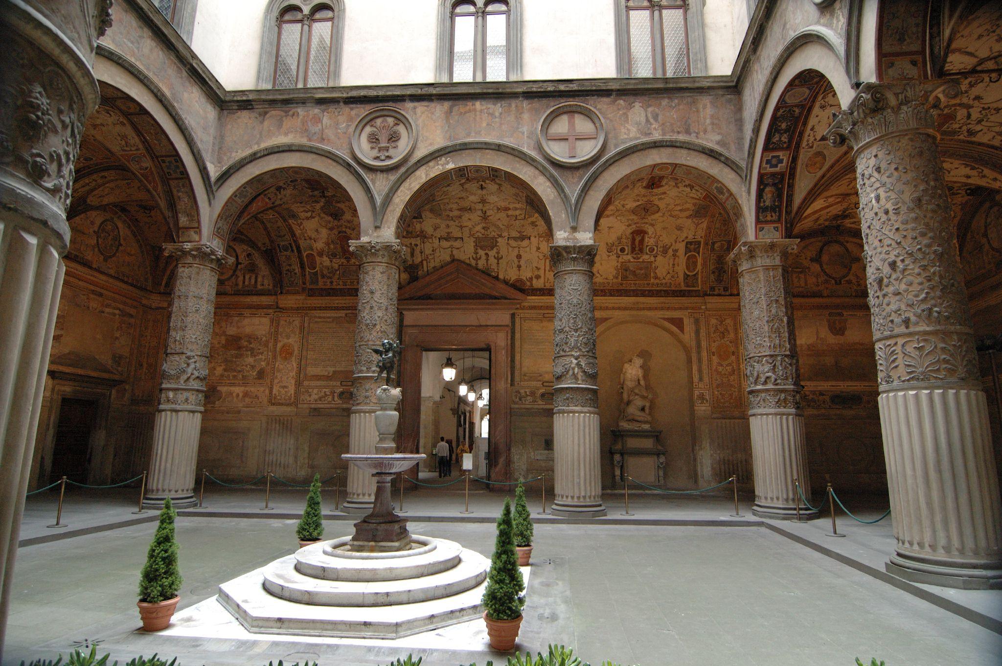 Palazzo_vecchio_cortile_del_putto_con_de