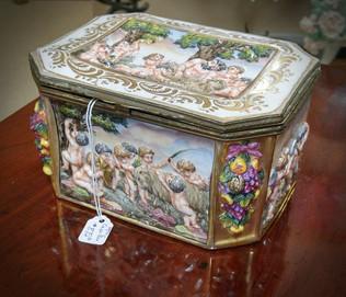 Capo di Monte Table Box