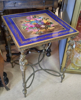 Louis Style Table