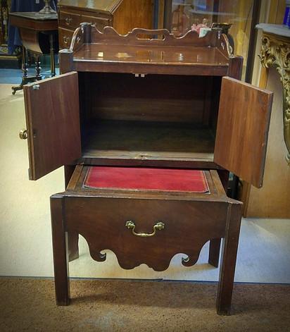 Georgian Mahogany Bedside Table