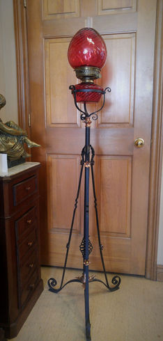 Wrought Iron Cranberry Floor Lamp
