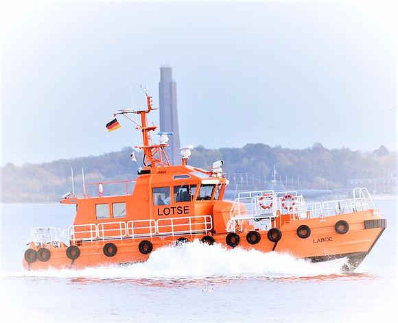 Lotsenboot%20(Kiel)_3_edited.jpg