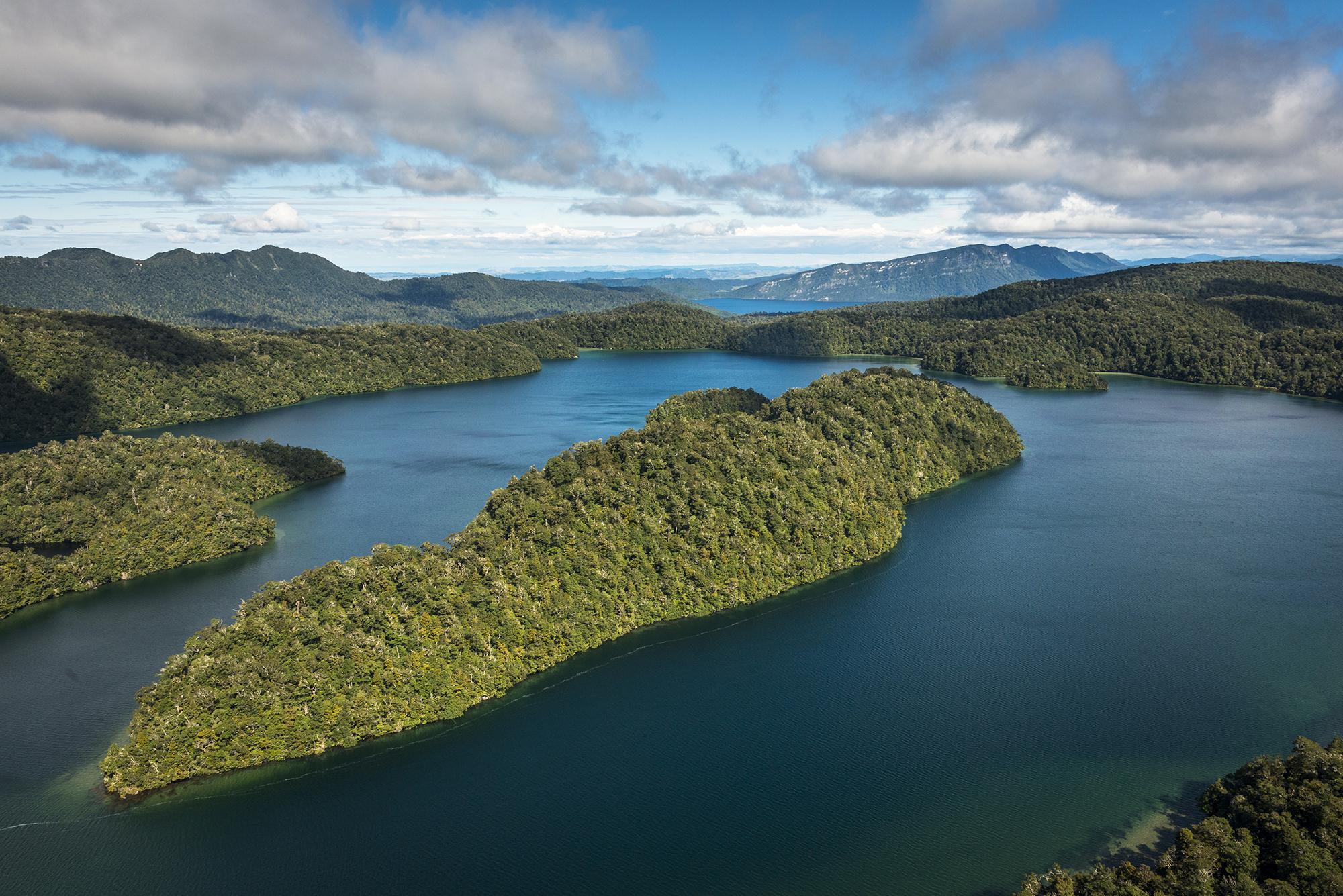 Lake Waikareiti, Te Urewera