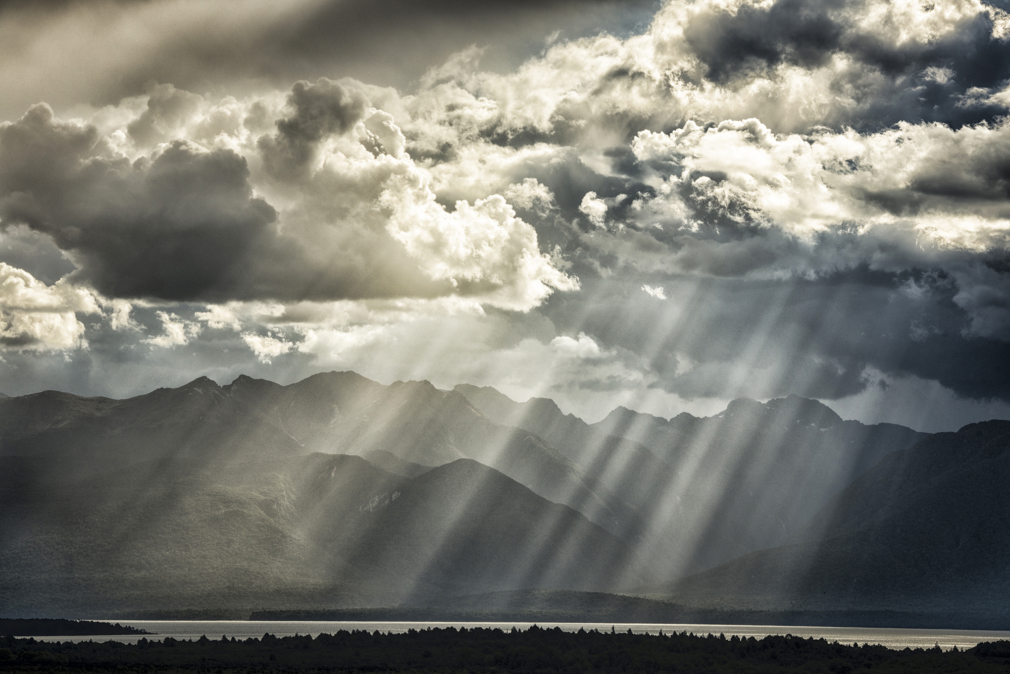 Fiordland Mountains