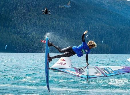 Campeon mundial, Sarah-Quita Offringa tambe a forma parti di show event di e European Freestyle Pro