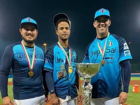 3 Pelotero Arubiano ta titulo campeon na Italia.