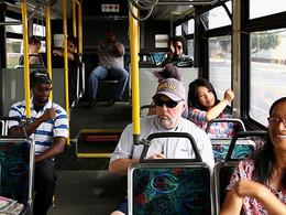 Minister Chris Romero ta anuncia medidanan preventivo pa COVID-19 den Transporte Publico