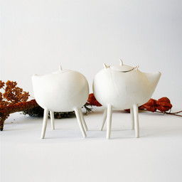 Very small teapots