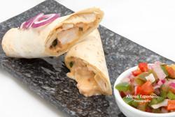 2015-07-01 burrito rellenos de pollo y salsa cheddar con guarnicion de pico de gallo-9