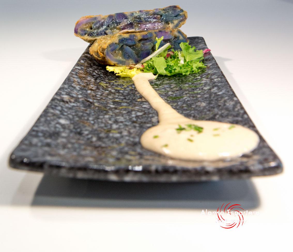 2015-08-11 fortilla patatas moradas-8