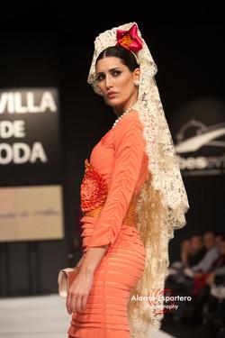 2011-12-10 Sevilla de Boda desfile de Mercedes de Alba 087