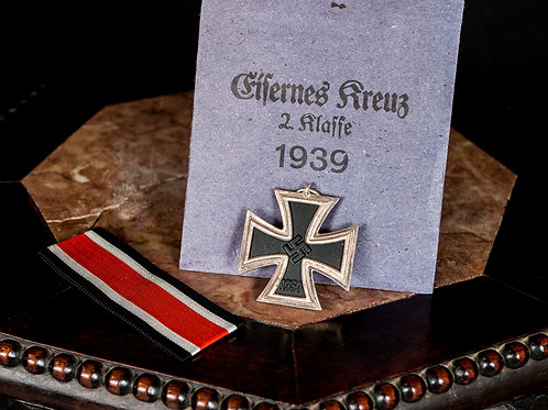 German WWII 1939 Iron Cross 2nd Class Medal, with Original Envelope