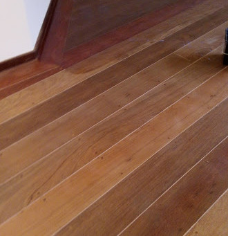 Instalação de pisos de madeira